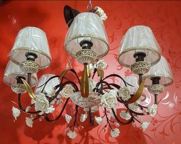 Шикарная люстра на 8 лампочек очень высокое качество модели