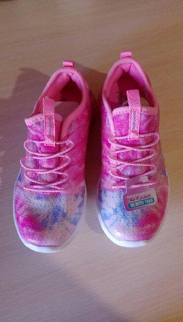 берцы американские в Кыргызстан: Новые американские детские кроссовки 30 размер. срочно, за пол цены