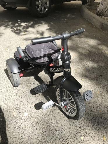 - Azərbaycan: Велосипед bentley. Ручка для управления родителем сломалась. Его можно