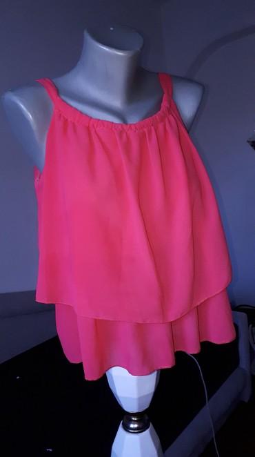 Duga leprsava haljina - Kraljevo: Majica karner S/ M velPrava letnja majica veoma lepo ocuvana koral