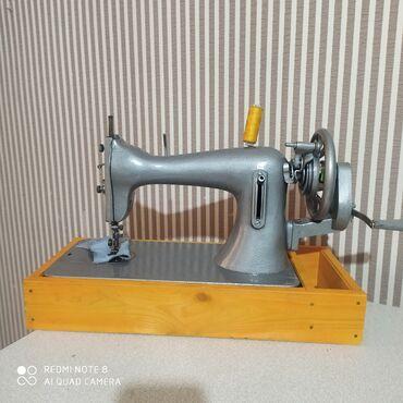 машины на продажу в Кыргызстан: Продаю советскую швейную машину в хорошем рабочем состоянии