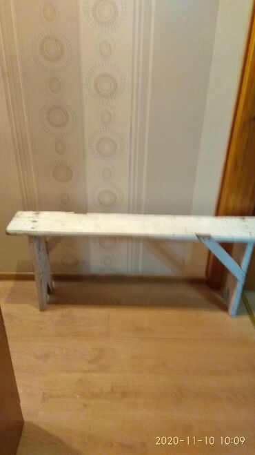 скамейка - Azərbaycan: Скамейка длина 1 метр 22 сма ширина 13 см сделал плотник из чистого