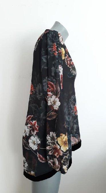 Elegantna bluza xl - Srbija: Tunika Italy 42 cena 700 poliester sirina ramena 42 sirina grudi 58 du