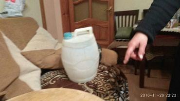 Бак для нагрева воды - Азербайджан: Продается пластиковая канистра для бензина или воды по цене 10 манат