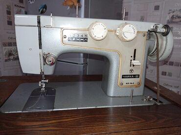 машина оверлок цена in Кыргызстан   ШВЕЙНЫЕ МАШИНЫ: Продаю швейную машинку ЧАЙКА! В хорошем, рабочем состоянии. Цена