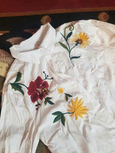 Рубашка, классика с вышивкой. 300 сом. Пишите в вотсапп по номеру в Бишкек