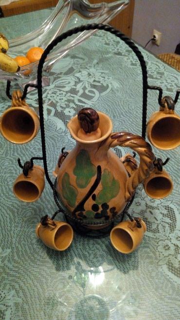 Komplet za pice..flasa,stalak,8 casica..keramika..nov komplet..cena - Kraljevo