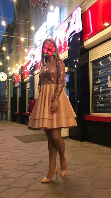Вечернее платье продаю. привезли из Италии, новое.размер 42-44