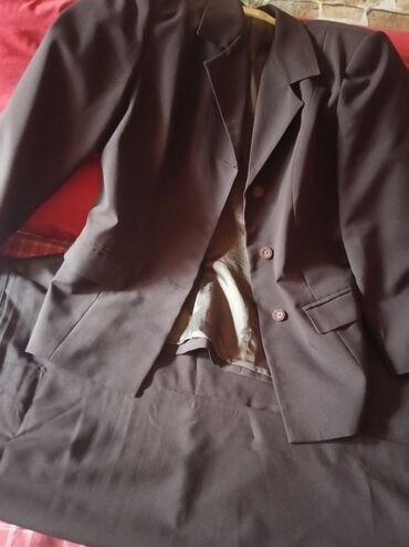 Zenski stofani vuneni mantic tsmno braon - Srbija: ZENSKI KOMPLET,sako i suknja,boja braon kakao,struk:76,duzina:90 za