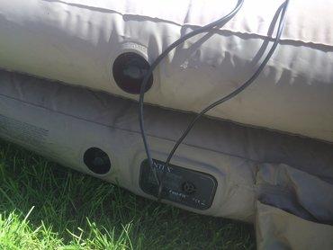 Надувной матрас высота 50см 2.20см длина есть проблема дырочка