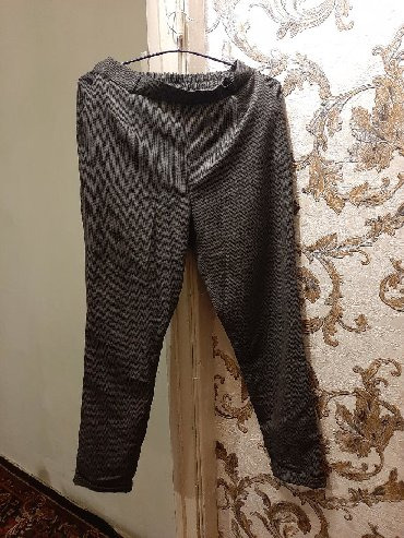 женские брюки классика в Кыргызстан: Брюки классика. Новые . 400с. Размер 44_46