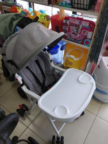 Продаю коляску 2 в1 стульчик кормление и коляска новая только одна