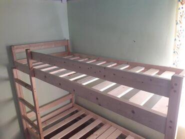 Двуспальные кровати в Сокулук: Новый двухьярусный кровать продается привезли из Москвы.Сделан из