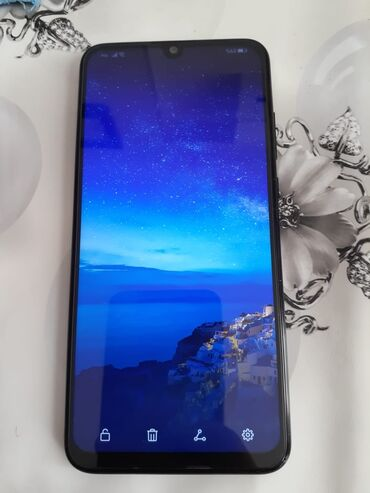Huawei p smart 2019Ekran: 6.21 inç, 2340 x 1080 FULL HD+ ekran 9