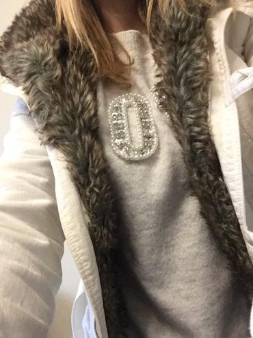 Prodajem jaknu,M velicina( ali je manji model pa odgovara S - Novi Sad