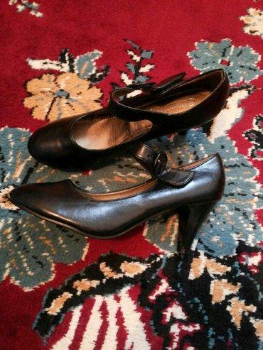 Новые! качественные туфли на небольшом каблучке 40р. удобные!  в Бишкек