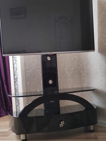 Televizor altlığı sürməli