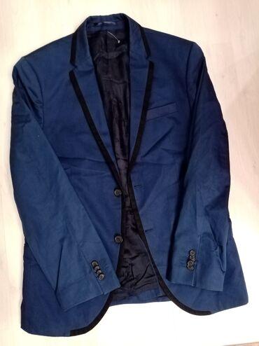 Muska odela - Srbija: Muski HM sako, strukiran, odlicnog kroja velicina L, tamno plavi sa
