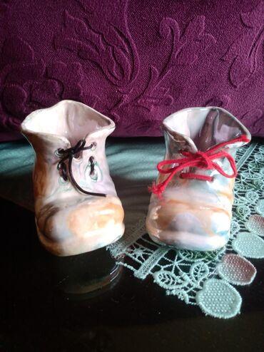 Figurine | Srbija: Cizmice nove ukrasne obe u ceni. vis. 7cm. duz. 11cm