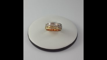 Кольцо из красного, жёлтого и белого золота.585 пробы. Размер кольца в Бишкек