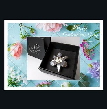 Stalak - Srbija: Srebrna orhidejica kao poklon savrsen za razne prilike. U kvalitetnoj
