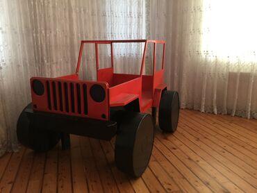 Jeep Willys çarpayı modeli Materialı möhkəm dikdəndir. Yeni məhsuldur