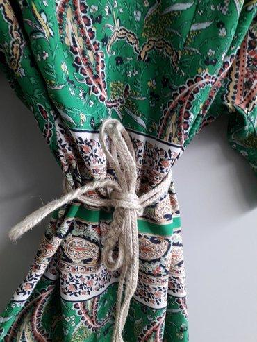 Prelepa haljina Zara, letnja, sarena, sa kaisem, kad se strukira