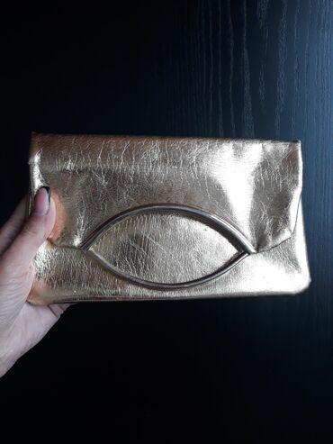 Pismo torbau oker boji na preklop dimenzije - Srbija: Zlatna pismo torbica nova ne nošena  Dimenzije 24x14