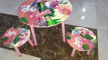 Xırdalan şəhərində Uşaq masası,iki stul ilə,modellər çoxdur, çatdırıma var.
