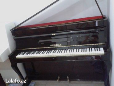 Bakı şəhərində Weinbach Antigue - elit klass piano - nadir rastlanan modeldir.