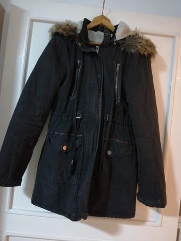 Ženska crna zimska jakna Veličina L Mogućnost smanjenja cene  - Obrenovac