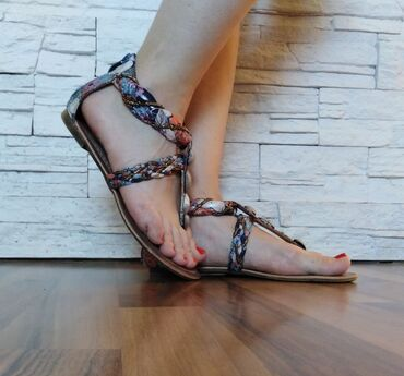Posao u inostranstvu - Srbija: Prelepe japanke (sandale) broj 38. Kupljenje u inostranstvuJako su