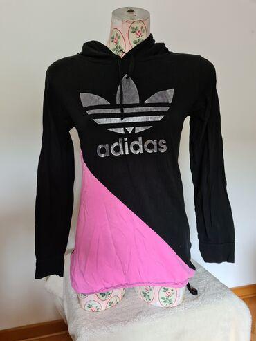 Dukserica m velicina - Srbija: Adidas dukserica sa kapuljacom, velicina S - M. Malo je rašivena kod