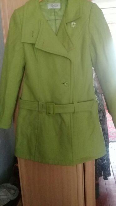 Пальто 44 46 48 размер кашемир цвет салатовый отдам дешево