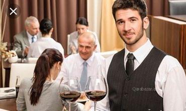 Ailevi restoran ve restoran loungeye ofsiant oğlanlar ve qızlar. в Bakı