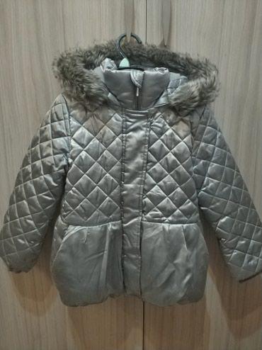 Зимняя куртка, на 5-6 лет, в отличном в Бишкек
