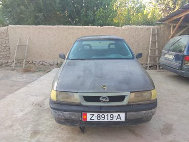 Opel Vectra 1989 в Баткен
