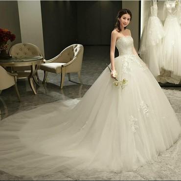 свадебное платье напрокат в Кыргызстан: Свадебное платье Новое на Продажу размер 46/48