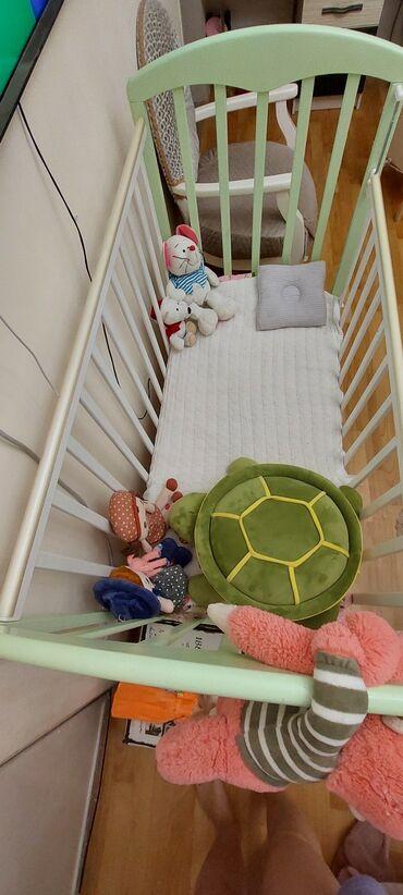 продам кресло кровать in Кыргызстан | ДИВАНЫ: Продаю детскую кроватку с матрасом. Производство Россия, материал