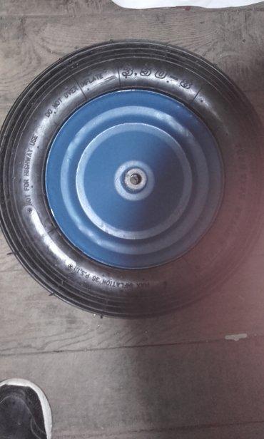 Tocak za kolica je dimenzije pise na tocku 3. 50x8 sa 4 platna je guma - Jagodina