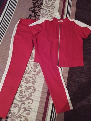 Двойка лёгкая новая, размеры 44-46 цвета красный, белый, хаки в Бишкек