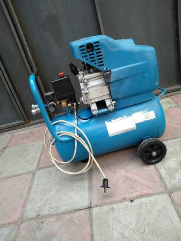 KompressorAz işlənmiş kompressor satılırEhtiyac olmadığına görə
