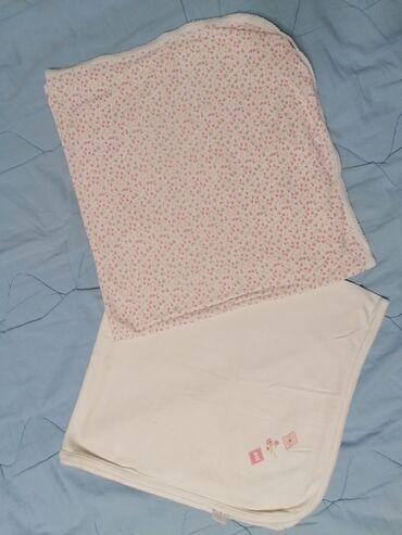 Ostale dečije stvari | Srbija: Dva pokrivaca za bebe, tanki od cistog mekog pamuka, beli i cvetni dez