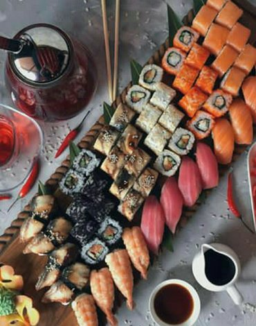 Роллы, суши, сашими,темаки, спринг роллы Филоделфияда- 8 шт. 250гр  Ка