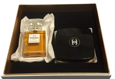 Chanel No5 Eau De Parfum 100 ml + Chanel No5 The Body Cream 150 ml  σε Athens