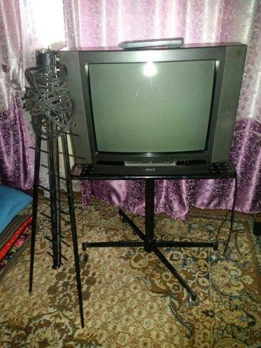 Телевизор+. антенна + подставка на в Бишкек