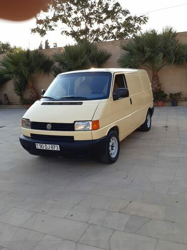 Volkswagen - Azərbaycan: Volkswagen Transporter 2.4 l. 1999   301 km