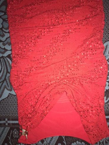 Nova haljina sa etiketom rasteze se puno i odgovara na sve in Crvenka