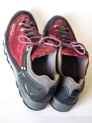 Продаю фирменные трековые кроссовки Salewa. В идеальном состоянии!Один