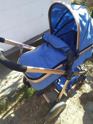 Почти новая коляска, пользовались 2-3 раза и стоял, торг уместен